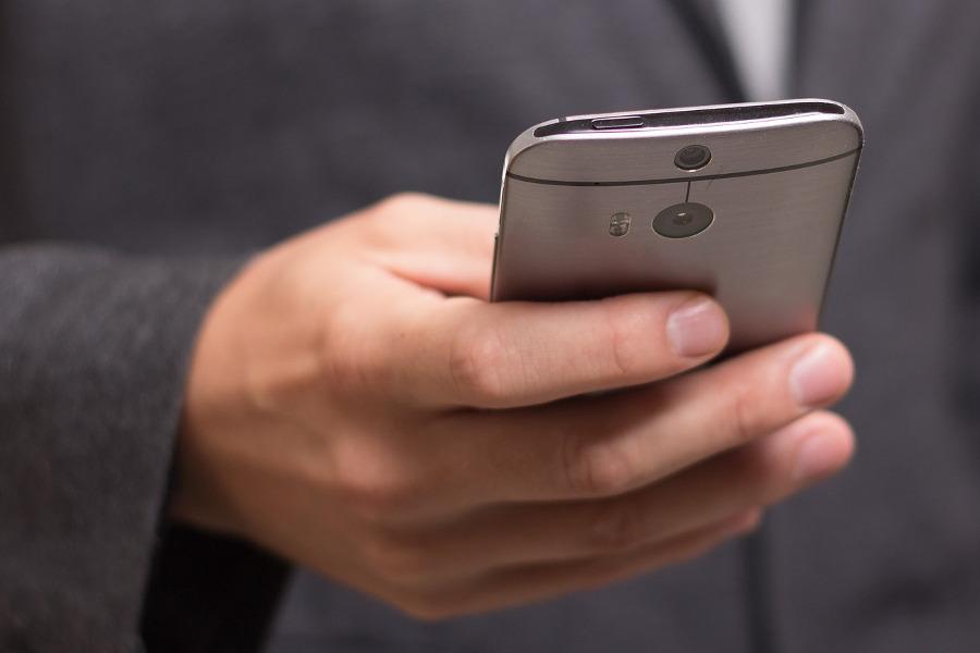 Lidé mohou požádat o duchovní a psychoterapeutickou pomoc na telefonu