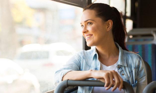 V krajských autobusech bankovky ani mince nepotřebujete