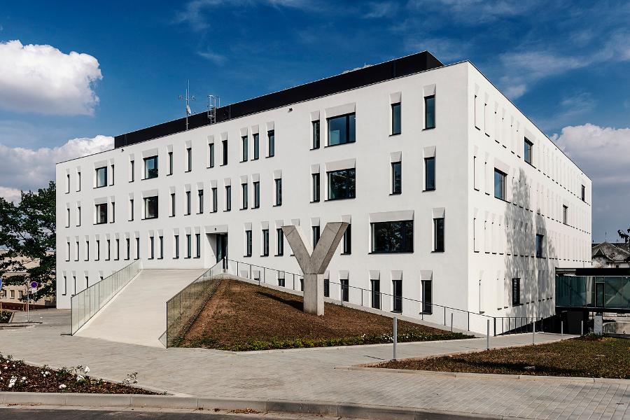 Fakultní nemocnice přestěhovala druhou interní kliniku