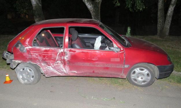 Opilý mladík naboural do sloupku a zranil spolujezdkyni