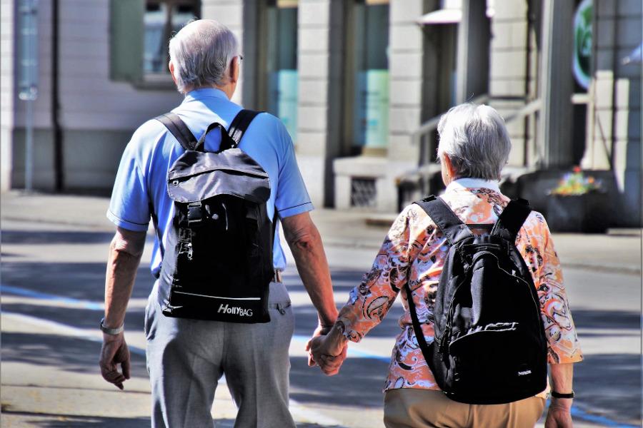 Kraj se vrací k seniorskému cestování