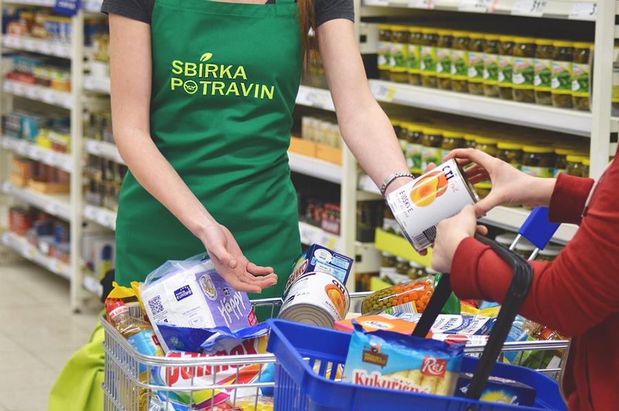 Sbírka potravin pomůže zajistit lepší Vánoce lidem vnouzi
